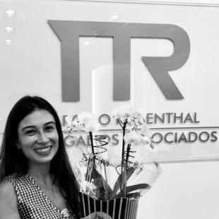 Mariana Maiori Angelelli Montagnani é promovida a sócia de servico no MRAA